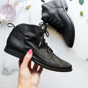 SAM EDELMAN Mare ankle boot lace up black leather